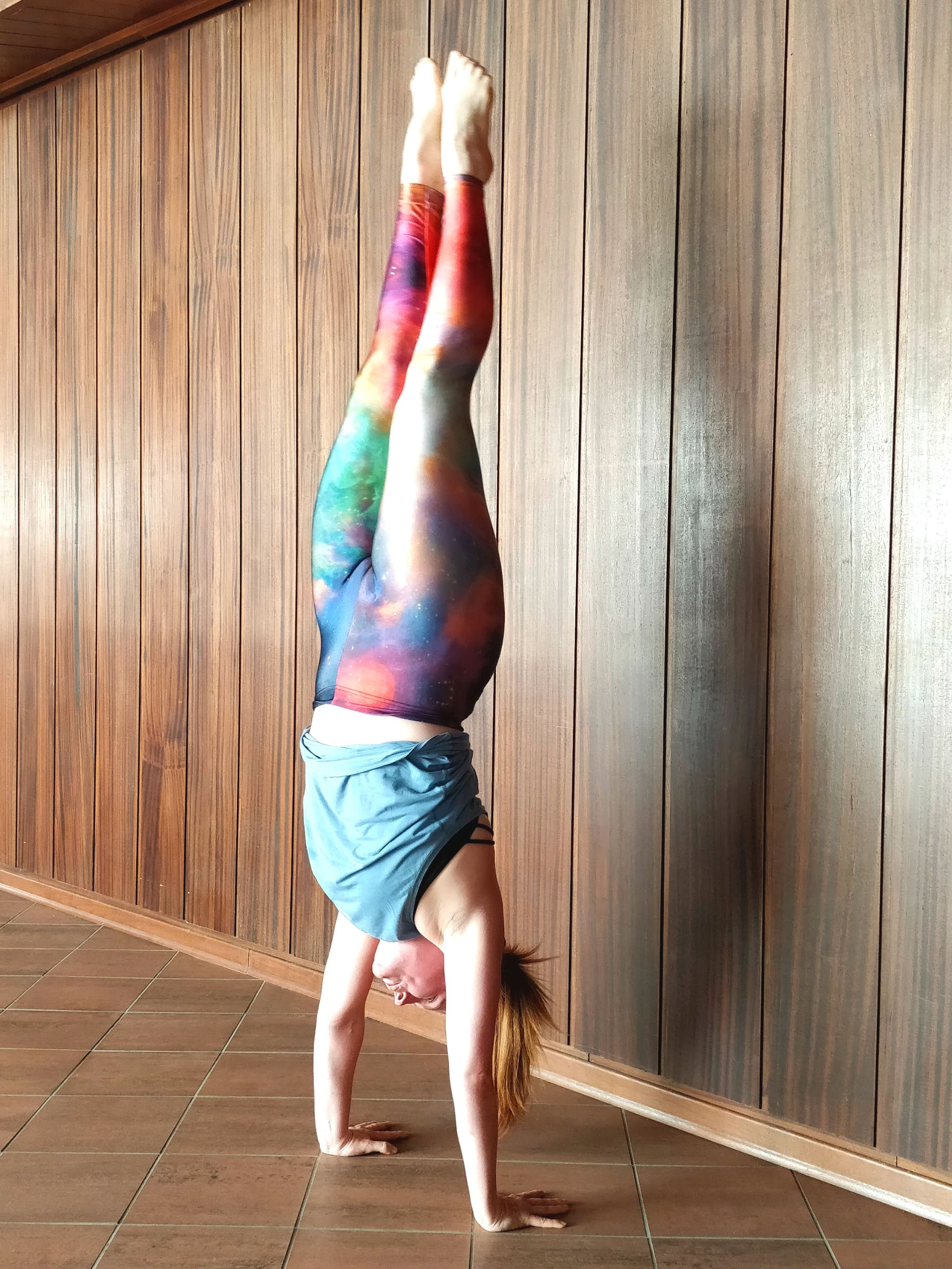 Working on my gymnastic style handstand